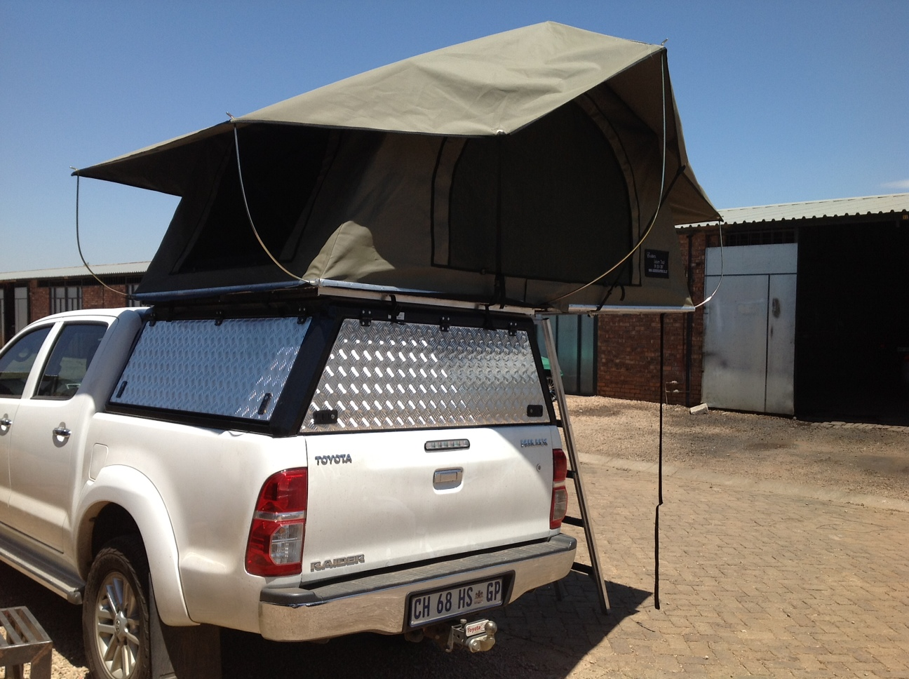 Photo Gallery - Roof top tents | Custom Leisure Tech