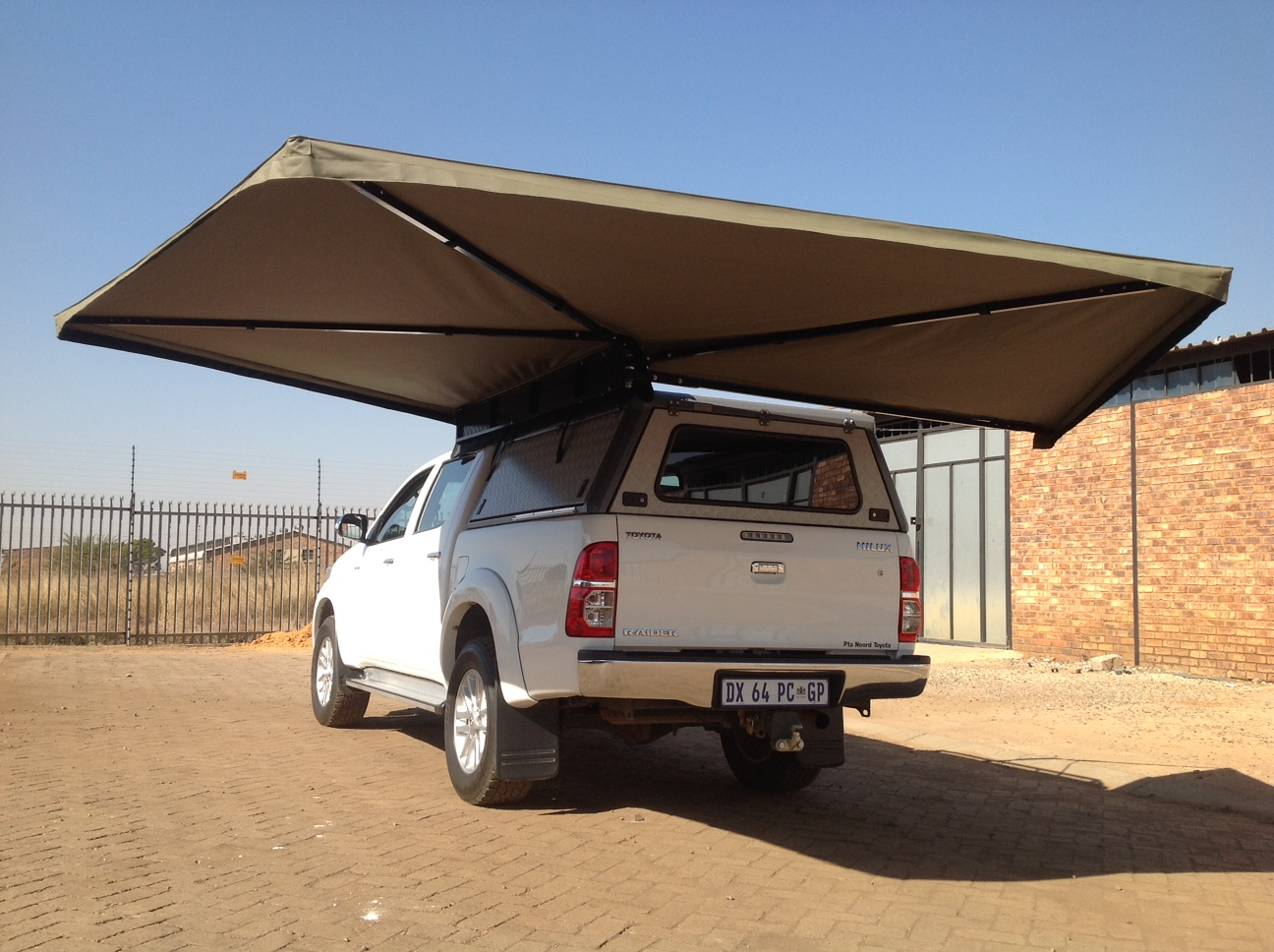 Maxi Shade 270 Awnings Custom Leisure Tech